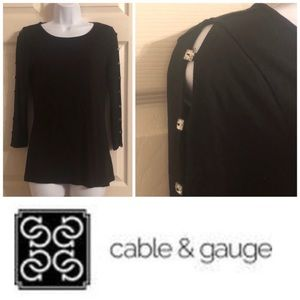 Cable & Guage Peek a Boo Sleeve Top